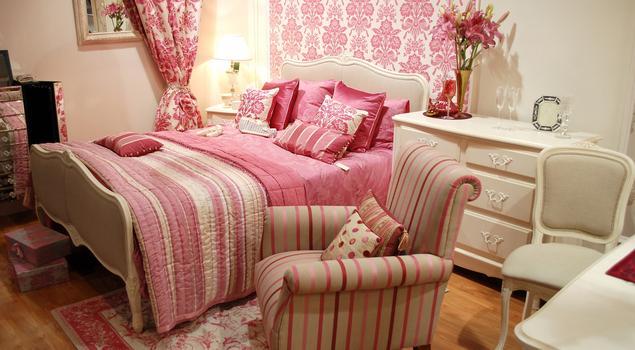 Styl vintage we wnętrzach. Kolor do sypialni.