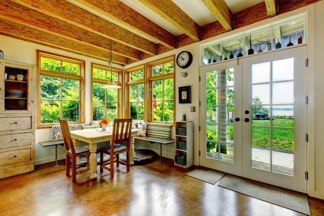 Kuchnia w stylu eko. Drewno i biel w kuchni